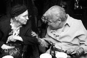 98-letnica umorila 100-letnico