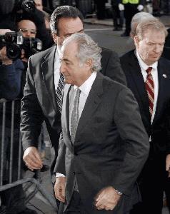 Premoženje prevaranta Madoffa na dražbi